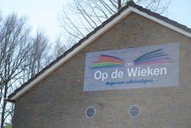Het Urker dialect en het 'mooie Nederlands' van de polder